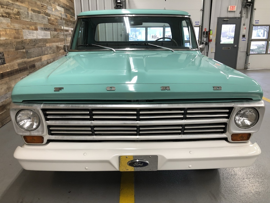 Pre-Owned 1968 Ford F-100